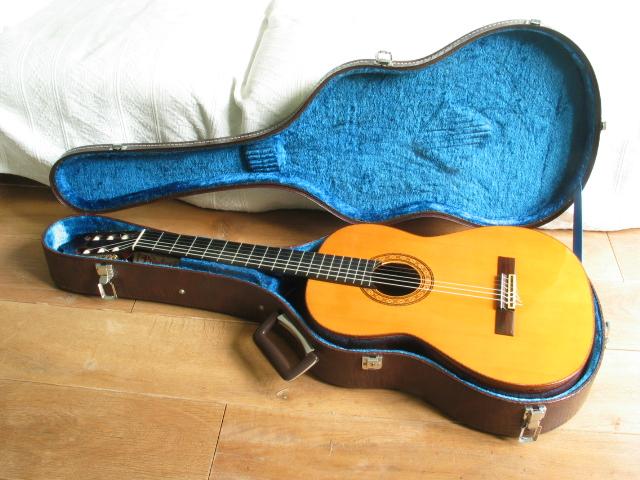 S yairi classical guitar no 950 wikizic for Yamaha cg150sa classical guitar